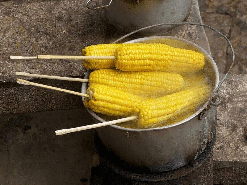 Продажа вареной кукурузы - необычный формат торговли