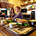 Франшиза Black Star Burger с выручкой 1,5 миллиона рублей в день